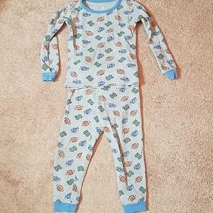 Carter's size 4T thermal sport graphic pajama set